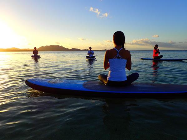 【石垣島】ビーチでサンセットSUPヨガ♪ 初心者にオススメ【送迎付き】