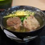 お肉も麺も選べる「まーさむん家 麺そーれ」(糸満市)