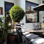 自家焙煎のカフェでホッとひと息(那覇市)
